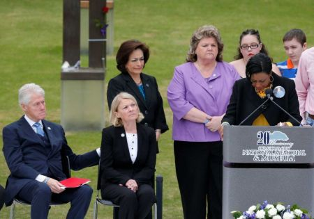 Helena Garrett, right, mother of bombing victim Tevin Garrett, breaks down as she speaks during a ceremony for the 20th anniversary of the Oklahoma City bombing, Oklahoma City National Memorial, April 19, 2015. (Sue Ogrocki/AP via http://sfchronicle.com).