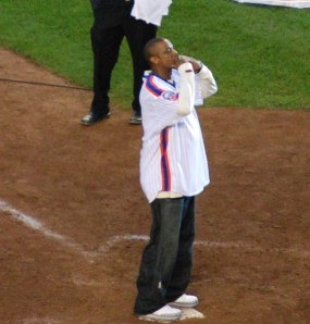Dwight Gooden being honored by Mets at final game at Shea Stadium, Flushing, NY, September 28, 2008. (Kanesue via Wikipedia, Flickr.com). Released to public domain via CC-SA-3.0.