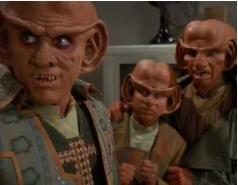 youtube-ds9-4x8-little-green-men-3_5.jpg