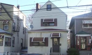425 South 6th Avenue, Mount Vernon, NY, November 22, 2006. (Donald Earl Collins).