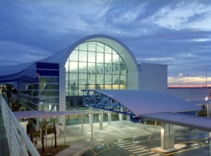 Glass extension of Jacksonville International Airport, January 24, 2013. (http://www.airport-technology.com).