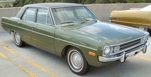 1972 Dodge Dart Dark Green (similar to '74 Dodge Dart Meltzer owned when I was at MVHS), December 25, 2009. (http://www.fotosdecarros.com).