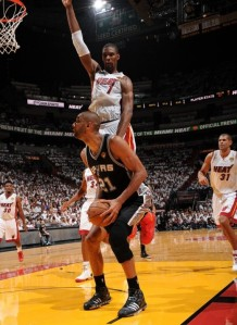 Tim Duncan apparently faking Chris Bosh out of sneakers, Game 1 NBA Finals, June 6, 2013. (http://sneakernews.com).