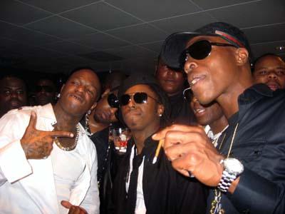 Lil Wayne entourage, Hartford, CT, July 2011. (http://4umf.com/).