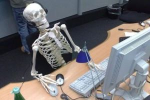 Working long hours, January 23, 2014. (Mark Holder/http://www.findersandsellers.com).