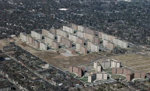 "Pruitt–Igoe public housing projects, St. Louis, Missouri, circa 1967. This late-1950s ""urban renewal"" project was built, but  failed and was razed in the 1970s. (Cadastral via Wikipedia/US Geological Survey). In public domain."