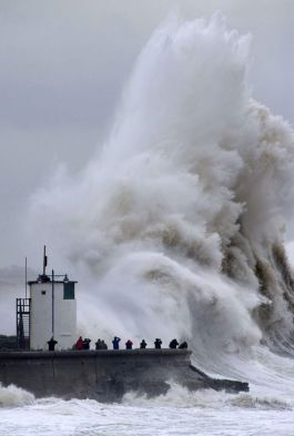 Porthcawl, Wales takes a battering from a fierce Atlantic storm, February 5, 2014. (Getty Images, via http://www.express.co.uk).