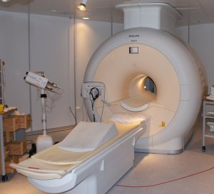 A Philips MRI machine at Sahlgrenska University Hospital, Gothenburg, Sweden, February 12, 2008. (Jan Ainali via Wikipedia). Released to public domain via CC-SA-3.0.