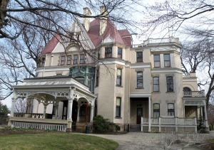 "Picture of the Henry Clay Frick Mansion, or ""Clayton"", located at 7200 Penn Avenue, Point Breeze, Pittsburgh, PA, March 21, 2010. (Lee Paxton via Wikipedia). Released to public domain via CC-SA-3.0."