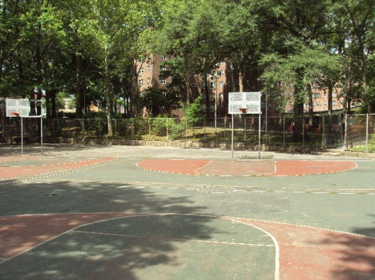 Not quite the courts at Chester Heights (aka, Bronxville/Mount Vernon border), but more or less what would've looked like 30 years ago, Eastchester Playground, Capitol Projects, Bronx, NY, August 11, 2015. (http://www.nycgovparks.org/).