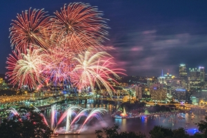 Typical Pittsburgh fireworks show for Independence Day, Point State Park, Pittsburgh, PA, July 4, 2014. (http://davedicello.com/).