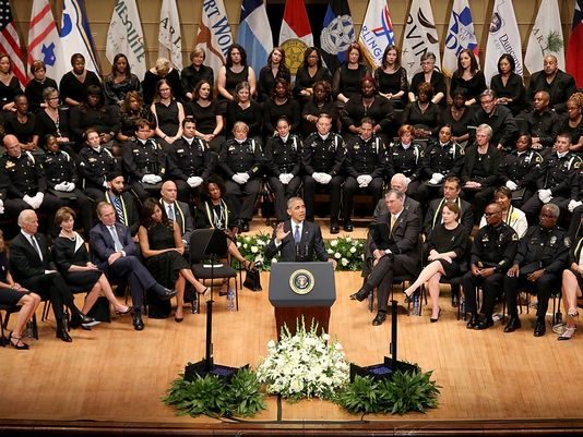 President Barack Obama giving speech at Dallas post-shooting memorial service, July 12, 2016. (Gary Miller, WireImage via http://usatoday.com).