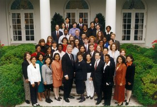 President Bill Clinton's Initiative on Race staff (none were specifically assigned to the Franklin Commission prior to September 1997), White House, June 1998. (http://clinton4.nara.gov via Wikipedia). In public domain.